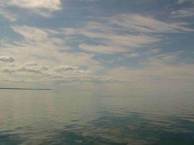 Segeln auf einem Ententeich: Von Heltermaa nach Kuivastu