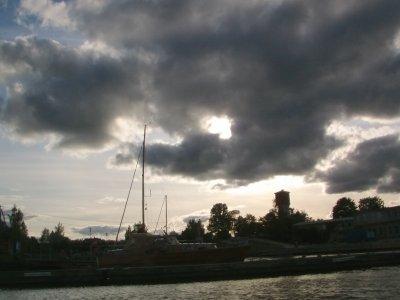 Den ersten Sturm hier im Hafen abgeritten: Overtüre